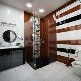 Shower screen makes the bathroom looks spacious.