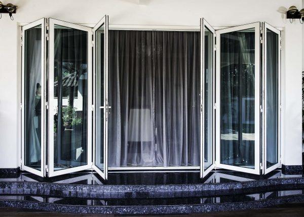 anodized aluminium folding door with laminated glass